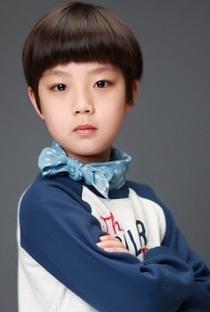 Seo Dong Hyun - Poster / Capa / Cartaz - Oficial 1
