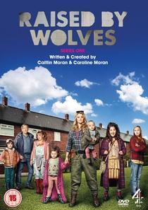 Raised by Wolves (1ª Temporada) - Poster / Capa / Cartaz - Oficial 1
