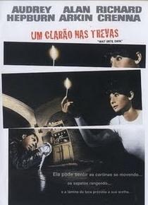 Um Clarão nas Trevas - Poster / Capa / Cartaz - Oficial 3