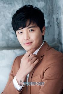 Yun Woo Jin - Poster / Capa / Cartaz - Oficial 2