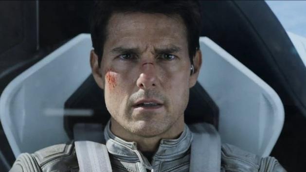 Oblivion, com Tom Cruise, ganha novo trailer e pôster internacionais