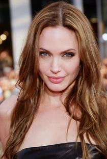 Angelina Jolie - Poster / Capa / Cartaz - Oficial 2