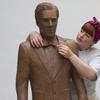 Benedict Cumberbatch ganha uma estátua feita de… chocolate!