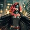 Ruby Rose mostra de perto o uniforme da Batwoman, veja