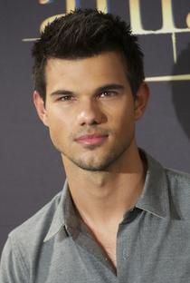 Taylor Lautner - Poster / Capa / Cartaz - Oficial 7