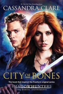 Shadowhunters - Caçadores de Sombras (1ª Temporada) - Poster / Capa / Cartaz - Oficial 9
