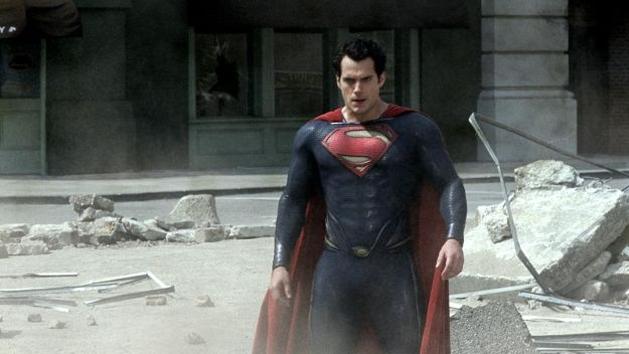Veja um close do novo Superman em comercial promocional