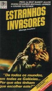 Estranhos Invasores - Poster / Capa / Cartaz - Oficial 3