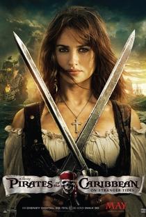 Piratas do Caribe: Navegando em Águas Misteriosas - Poster / Capa / Cartaz - Oficial 5