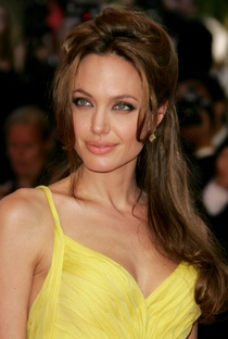 Angelina Jolie - Poster / Capa / Cartaz - Oficial 6