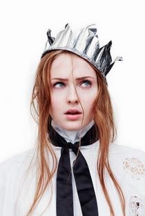 Sophie Turner (II) - Poster / Capa / Cartaz - Oficial 7