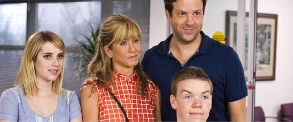 Assista ao trailer para maiores da comédia FAMÍLIA DO BAGULHO, com Jennifer Aniston e Jason Sudeikis |