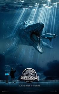Jurassic World - O Mundo dos Dinossauros - Poster / Capa / Cartaz - Oficial 6