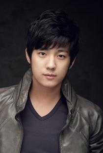 Suh Joon Young - Poster / Capa / Cartaz - Oficial 1