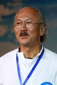 Dennis Chan (I)