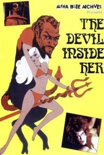 The Devil Inside Her - Poster / Capa / Cartaz - Oficial 1