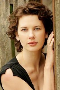 Tiffany Lyndall-Knight - Poster / Capa / Cartaz - Oficial 1