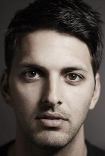 Shazad Latif - Poster / Capa / Cartaz - Oficial 1