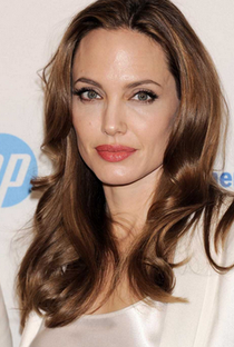 Angelina Jolie - Poster / Capa / Cartaz - Oficial 11
