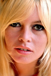 Brigitte Bardot - Poster / Capa / Cartaz - Oficial 33