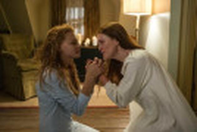 """""""Carrie, A Estranha"""": segunda cena online"""