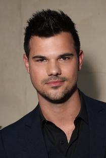 Taylor Lautner - Poster / Capa / Cartaz - Oficial 5