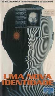 Uma Nova Identidade - Poster / Capa / Cartaz - Oficial 2
