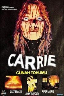 Carrie, a Estranha - Poster / Capa / Cartaz - Oficial 10