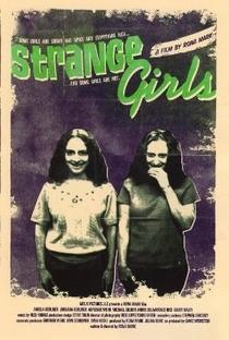 Strange Girls - Poster / Capa / Cartaz - Oficial 1