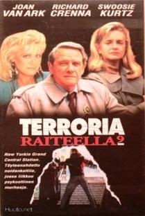 Terror no Terminal 9 - Poster / Capa / Cartaz - Oficial 2