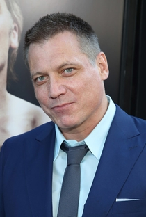 Holt McCallany - Poster / Capa / Cartaz - Oficial 1
