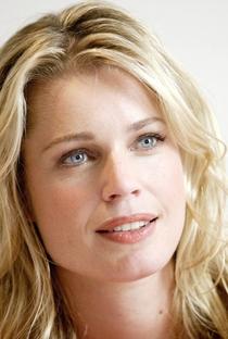 Rebecca Romijn - Poster / Capa / Cartaz - Oficial 7