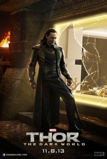 Thor: O Mundo Sombrio - Poster / Capa / Cartaz - Oficial 8