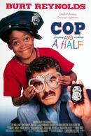 Um Tira e 1/2 (Cop and ½)