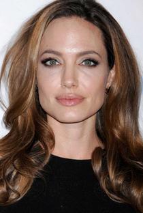 Angelina Jolie - Poster / Capa / Cartaz - Oficial 9