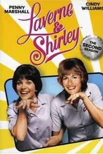 Laverne & Shirley (2ª Temporada)  - Poster / Capa / Cartaz - Oficial 1