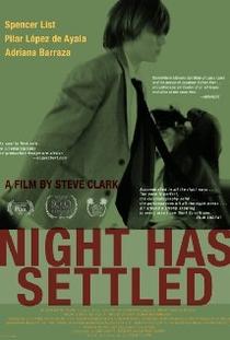 A Noite Acalmou - Poster / Capa / Cartaz - Oficial 1