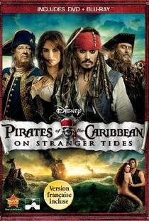 Piratas do Caribe: Navegando em Águas Misteriosas - Poster / Capa / Cartaz - Oficial 11