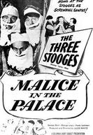 Três Sujeitos Piramidais (Malice in the Palace)
