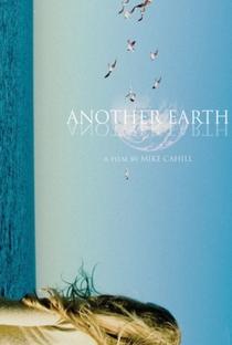 A Outra Terra - Poster / Capa / Cartaz - Oficial 3