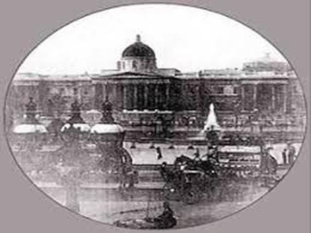 London's Trafalgar Square (1890) - Crítica