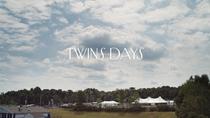 Twins Days - Poster / Capa / Cartaz - Oficial 1