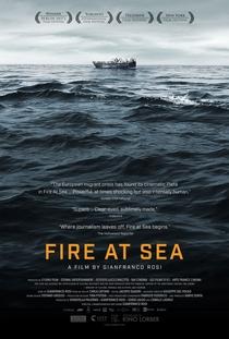 Fogo no Mar - Poster / Capa / Cartaz - Oficial 1