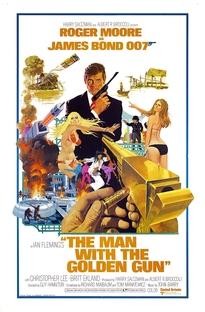 007 - Contra o Homem com a Pistola de Ouro - Poster / Capa / Cartaz - Oficial 1