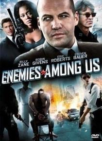 Inimigo Entre Nós - Poster / Capa / Cartaz - Oficial 1