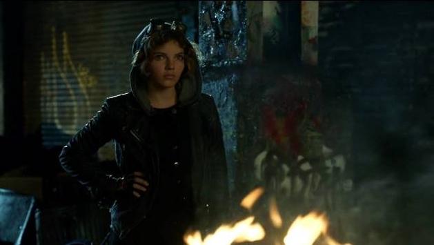 "Gotham s01e02: ""Selina Kyle"" (Resenha)"
