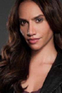 Nina Lisandrello - Poster / Capa / Cartaz - Oficial 2