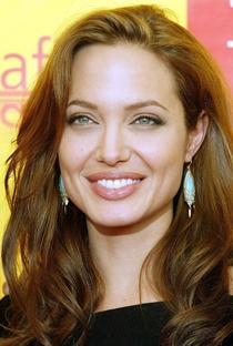 Angelina Jolie - Poster / Capa / Cartaz - Oficial 7