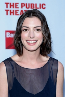 Anne Hathaway - Poster / Capa / Cartaz - Oficial 22
