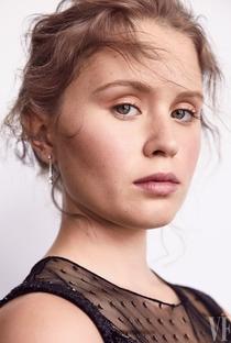 Eliza Scanlen - Poster / Capa / Cartaz - Oficial 3